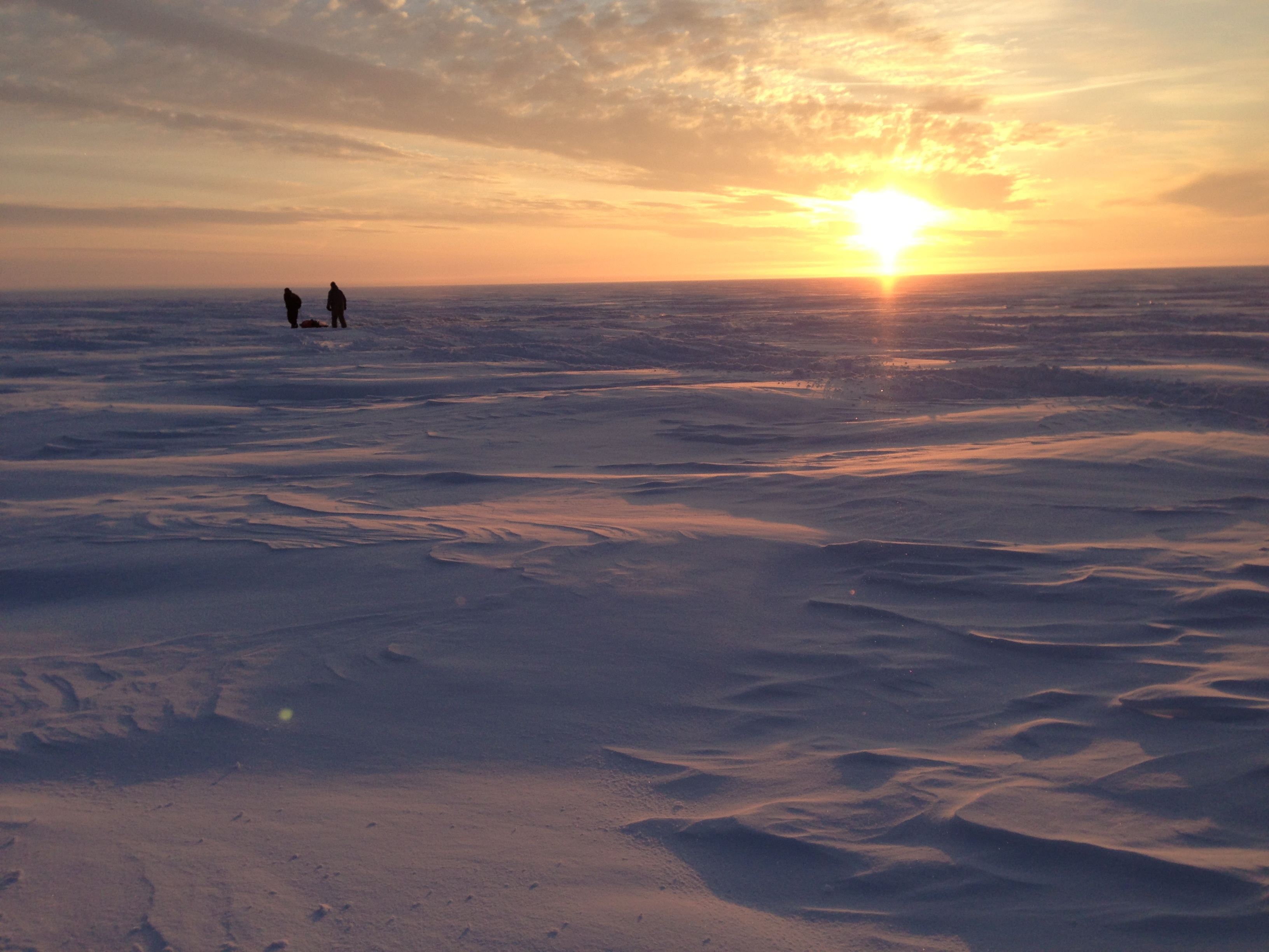 File ice fishing in ontario wikimedia commons for Ice fishing canada