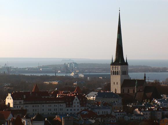 Gereja St. Olaf adalah salah satu landmark utama di pusat kota Tallinn