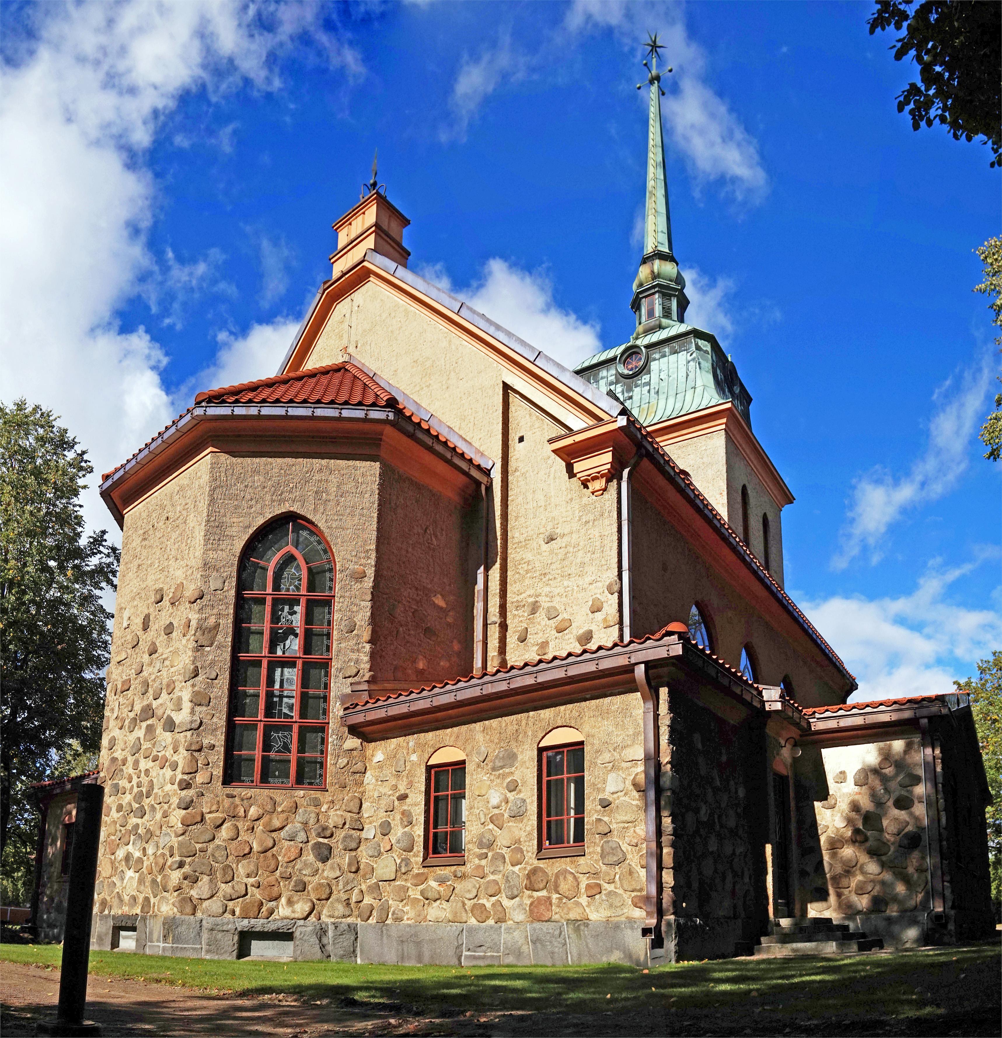 Mänttä Church 2.jpg