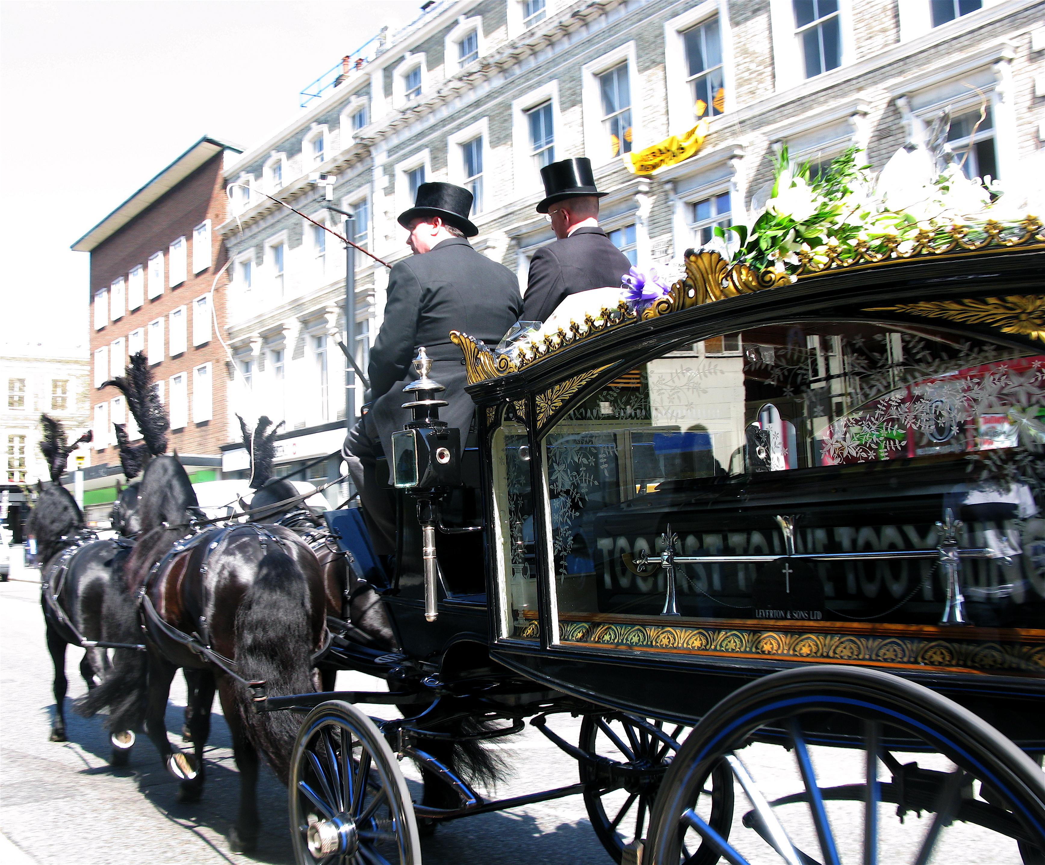 Funeral director - Wikipedia