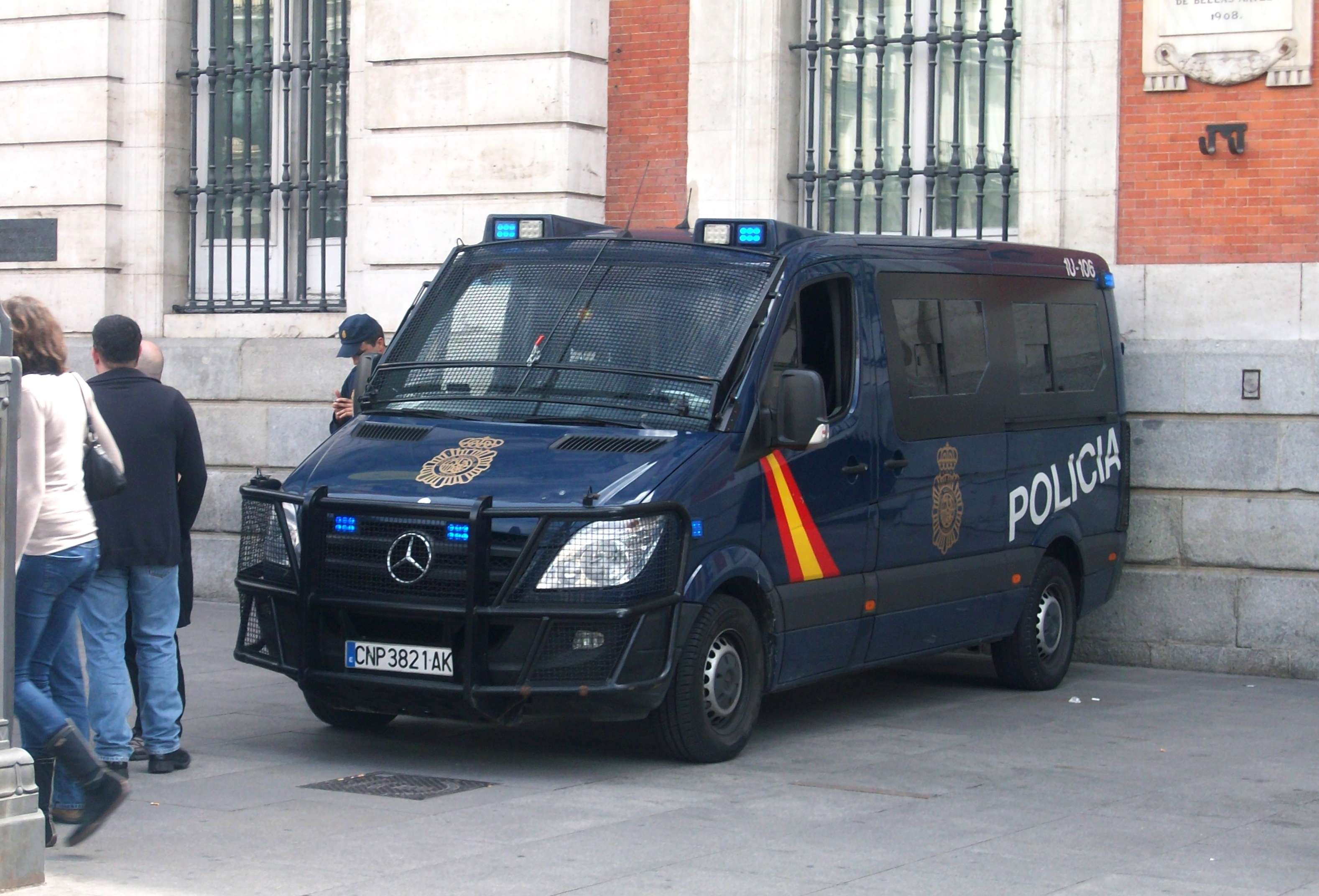 Skeda:Mercedes-Benz Sprinter Policia in Madrid - 2012.JPG ...