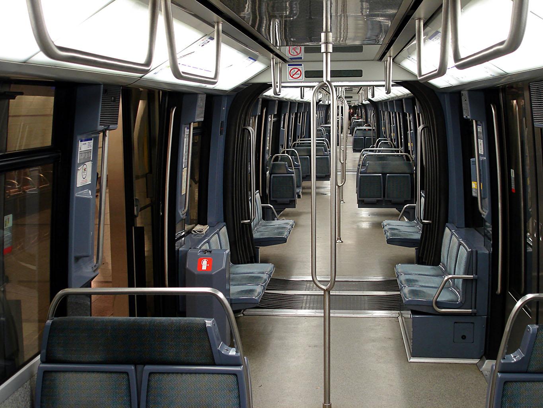 File metro paris ligne 14 interieur mp 89 for Metro interieur