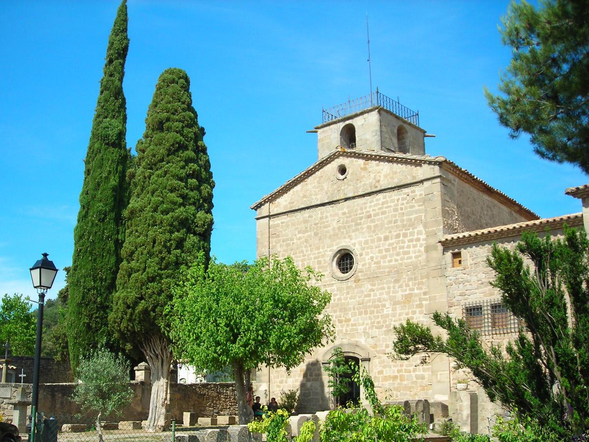 File:Monestir de Santa Maria de Lluçà, Lluçanès.jpg - Wikimedia Commons