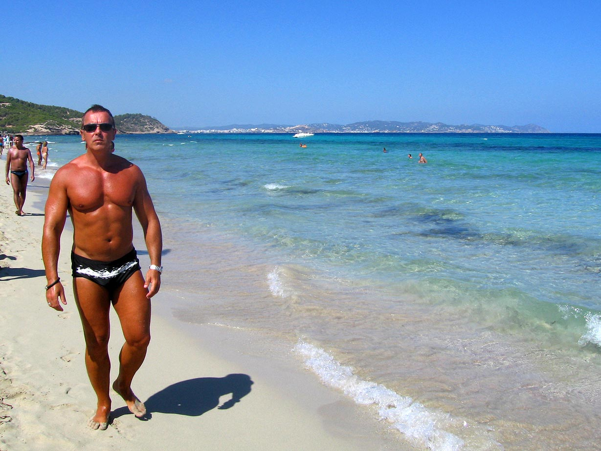 Muscle beach Ibiza.jpg