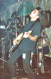 Robert Hampson of Loop performing with Godflesh in 1991 Neville.png