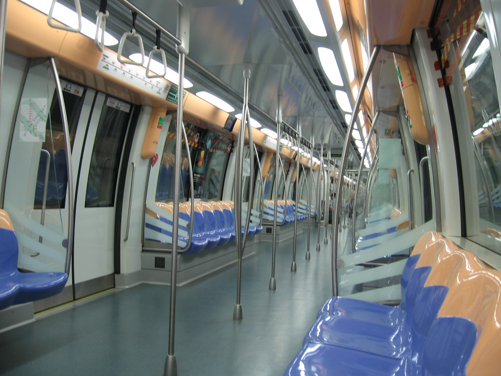 File:NORTH EAST LINE, Singapore, Train, Aug 06.JPG - Wikipedia ...