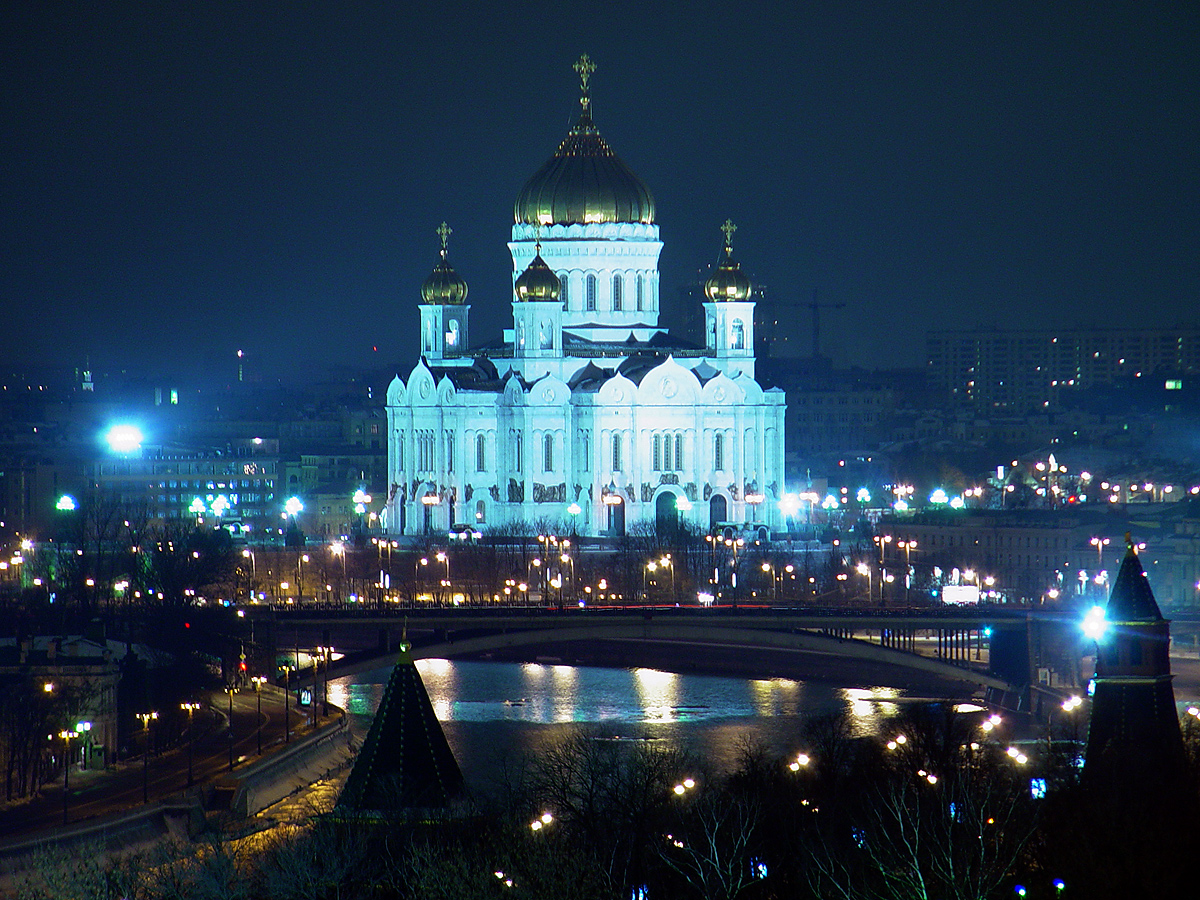 http://upload.wikimedia.org/wikipedia/commons/3/3c/Panoramio_-_V%26A_Dudush_-_Moscow._%D0%A5%D1%80%D0%B0%D0%BC_%D0%A5%D1%80%D0%B8%D1%81%D1%82%D0%B0_%D0%A1%D0%BF%D0%B0%D1%81%D0%B8%D1%82%D0%B5%D0%BB%D1%8F._Moscow._The_Cathedral_of_Christ_the_Saviour.jpg