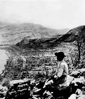 Resterne af Saint-Pierre efter vulkanudbruddet i 1902
