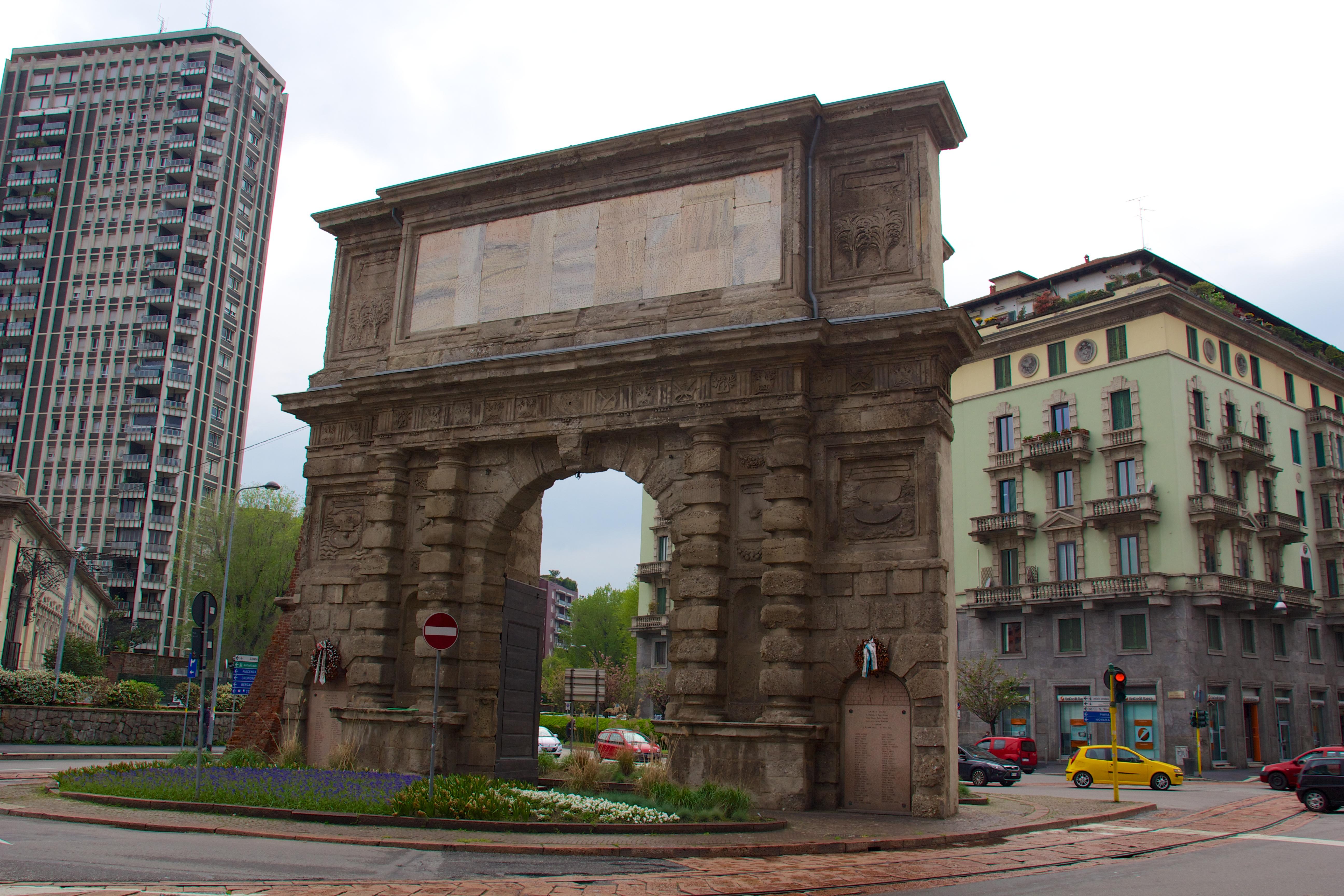File porta romana milan wikimedia commons - Porta portese milano ...