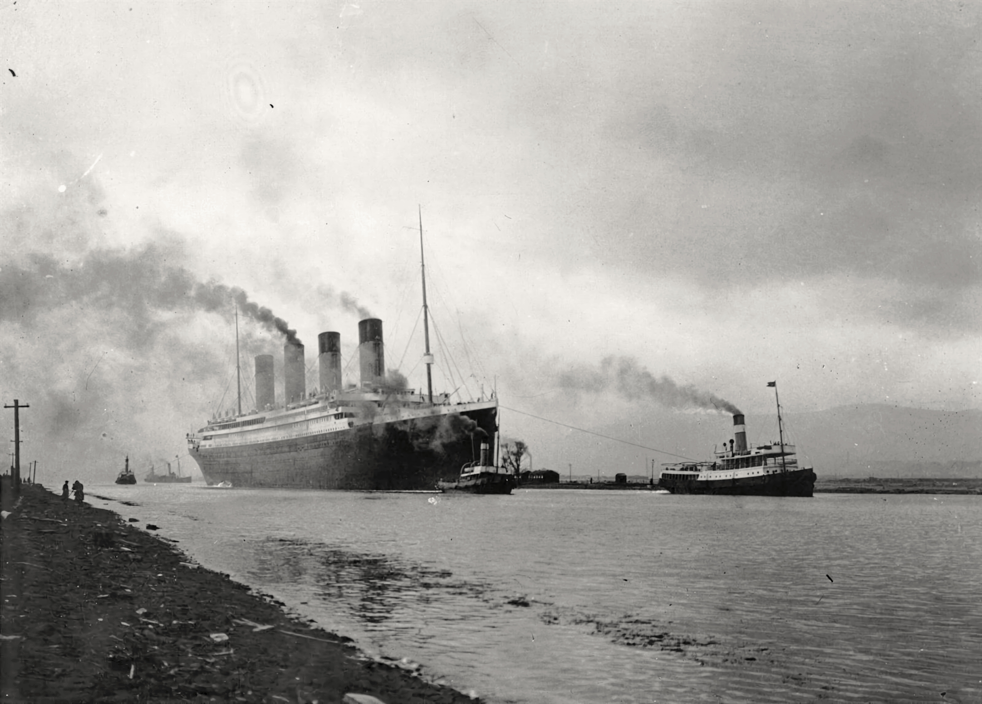 100. godišnjica potonuća Titanica RMS_Titanic_sea_trials_April_2%2C_1912