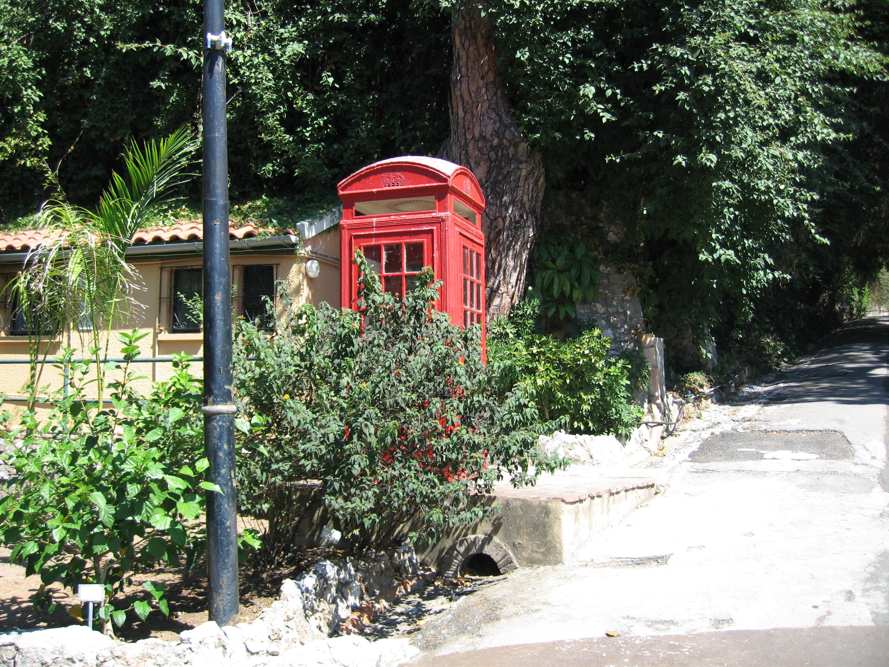 Ordinaire File:Red Phone Box   Gibraltar Botanic Gardens 2
