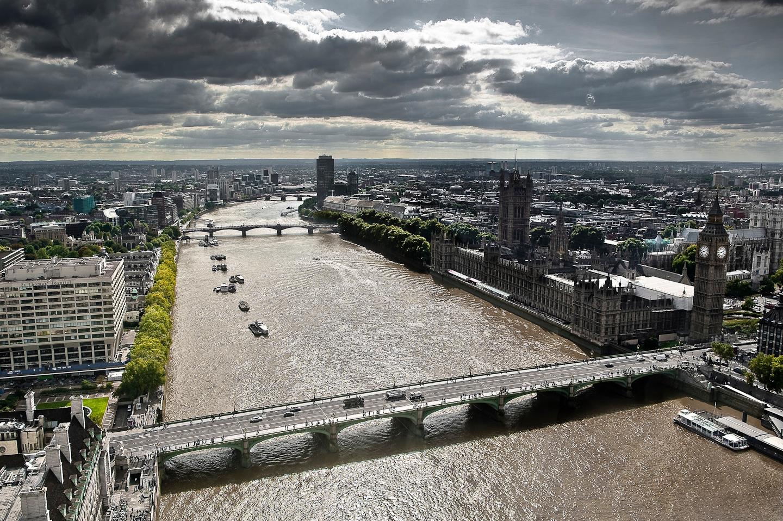 Description river thames london 11sept2009