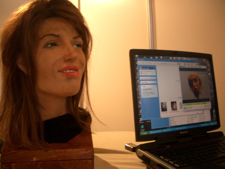 File:Robot-human-face onscreen.jpg