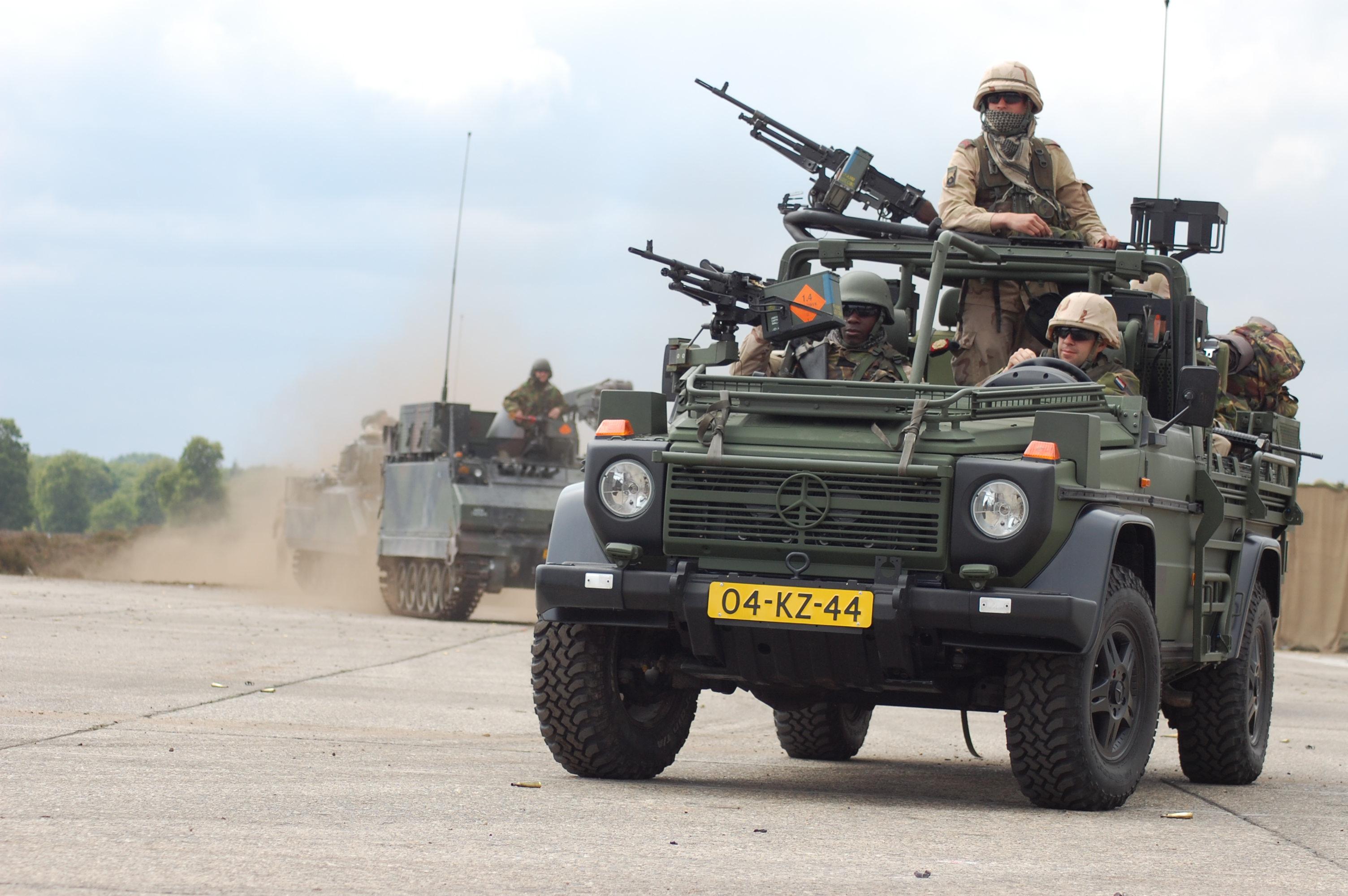fileroyal dutch army convoyjpg