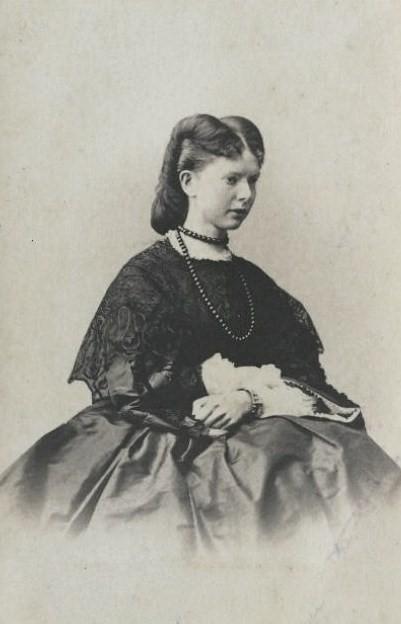 https://upload.wikimedia.org/wikipedia/commons/3/3c/SNMuravieva.jpg