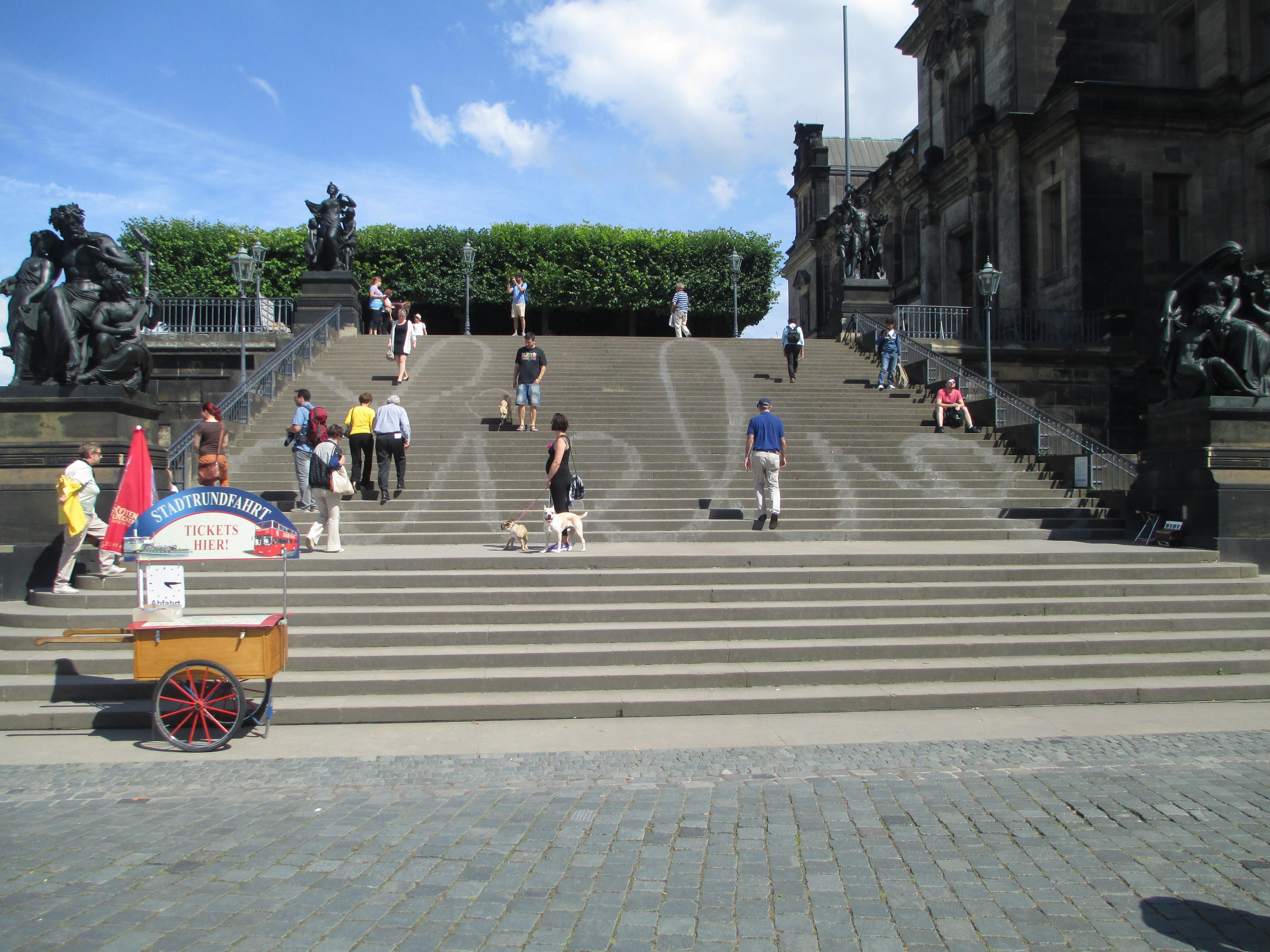 File:Stairs To Brühlu0027s Terrace