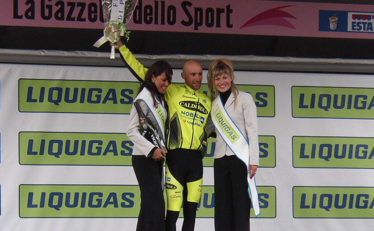 File:Stefano Garzelli - Giro d'Italia 2004 - Presolana jpg