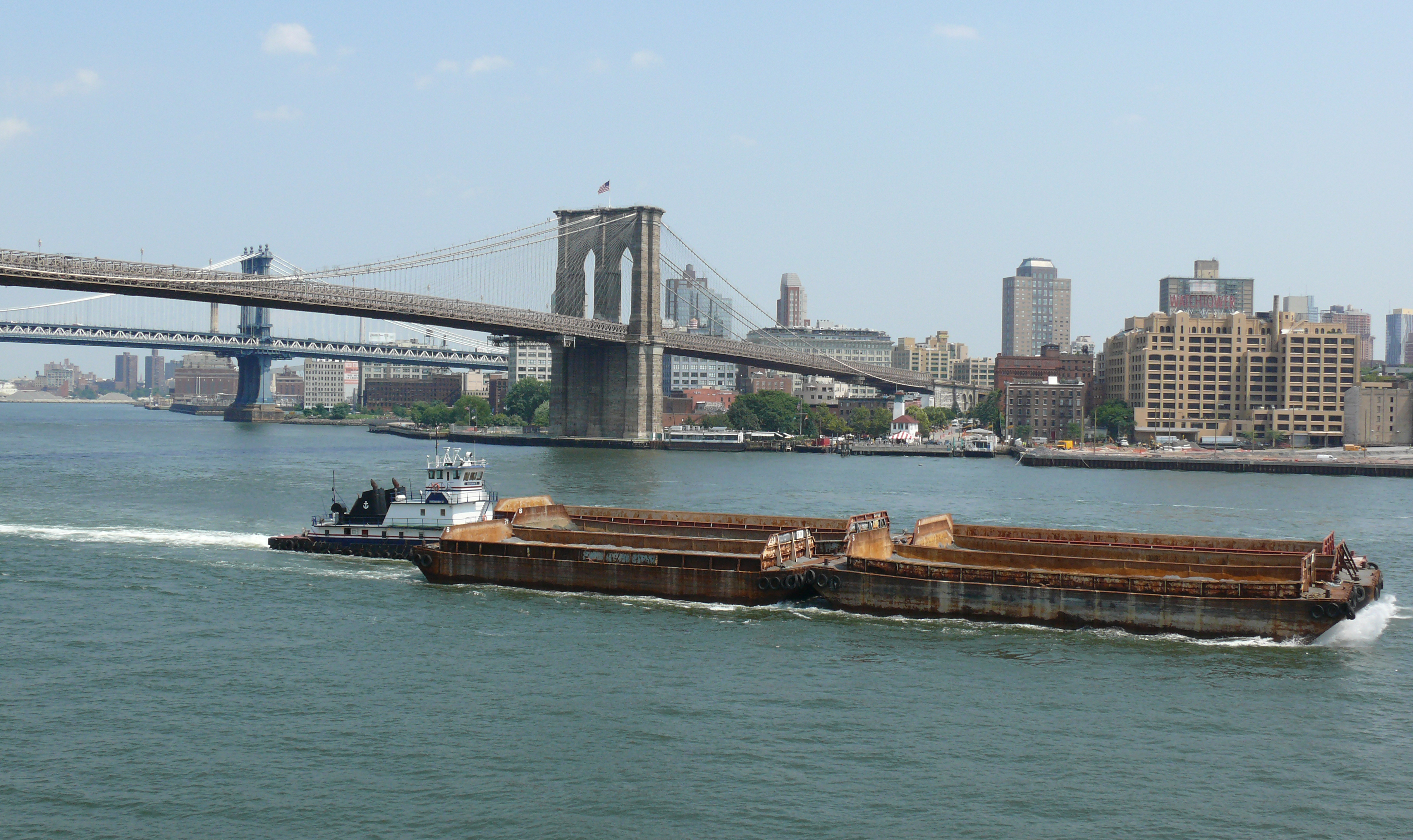File Towboat In Front Of Brooklyn Bridge Jpg