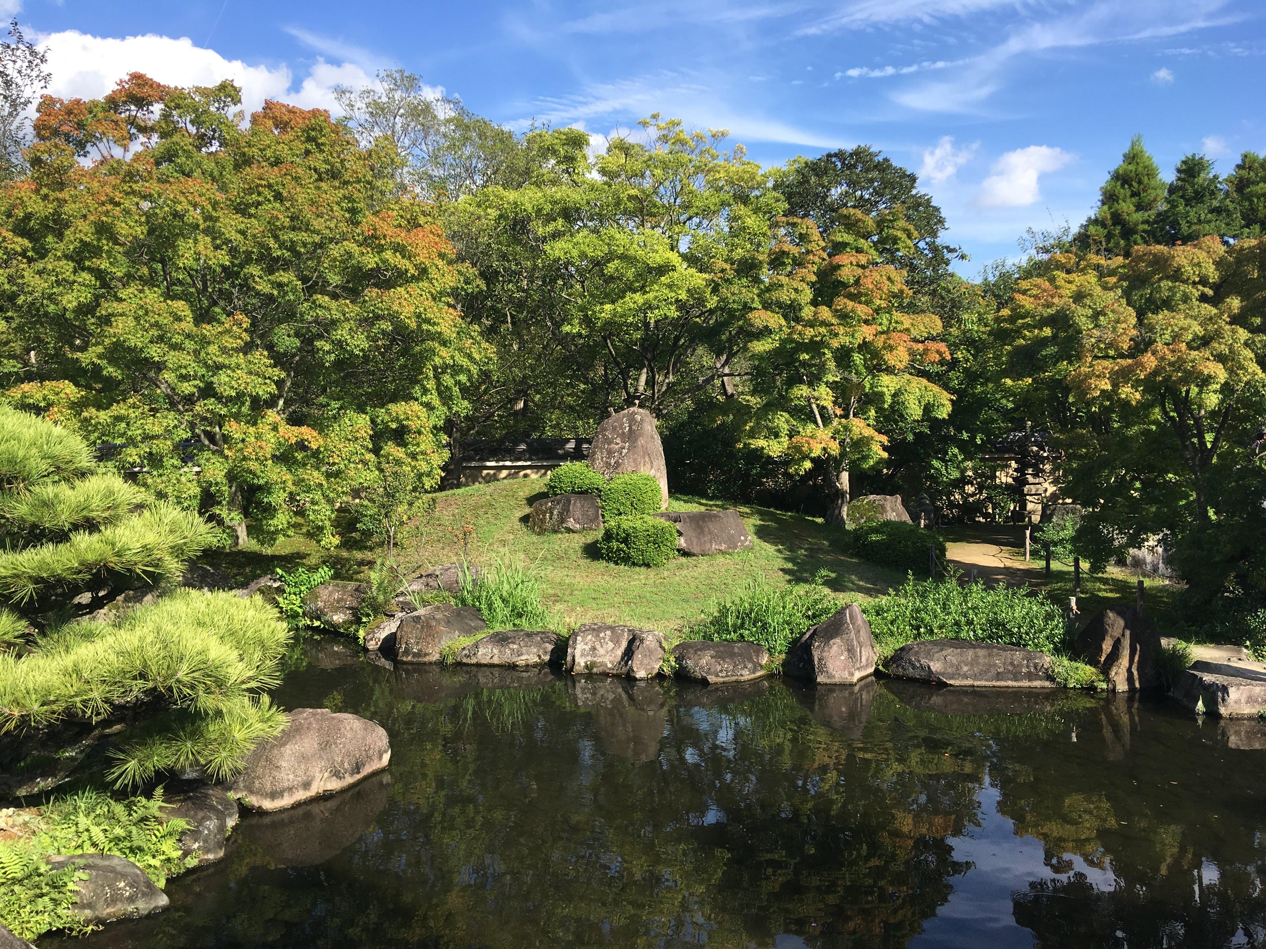 File:Tsukiyama Chisen Garden at Kōko-en 1.jpg - Wikimedia Commons