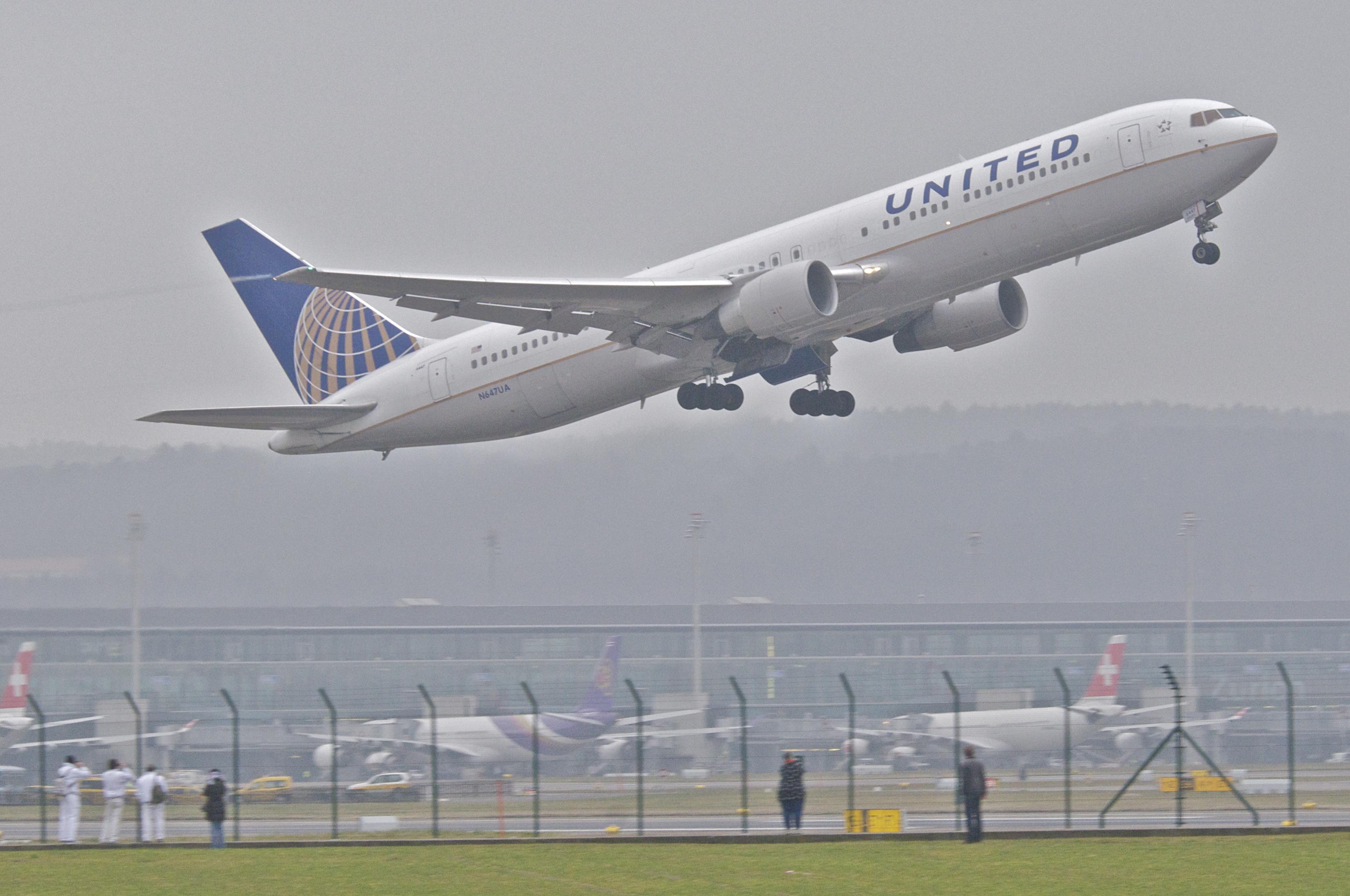 Resultado de imagen para United Boeing 767-300