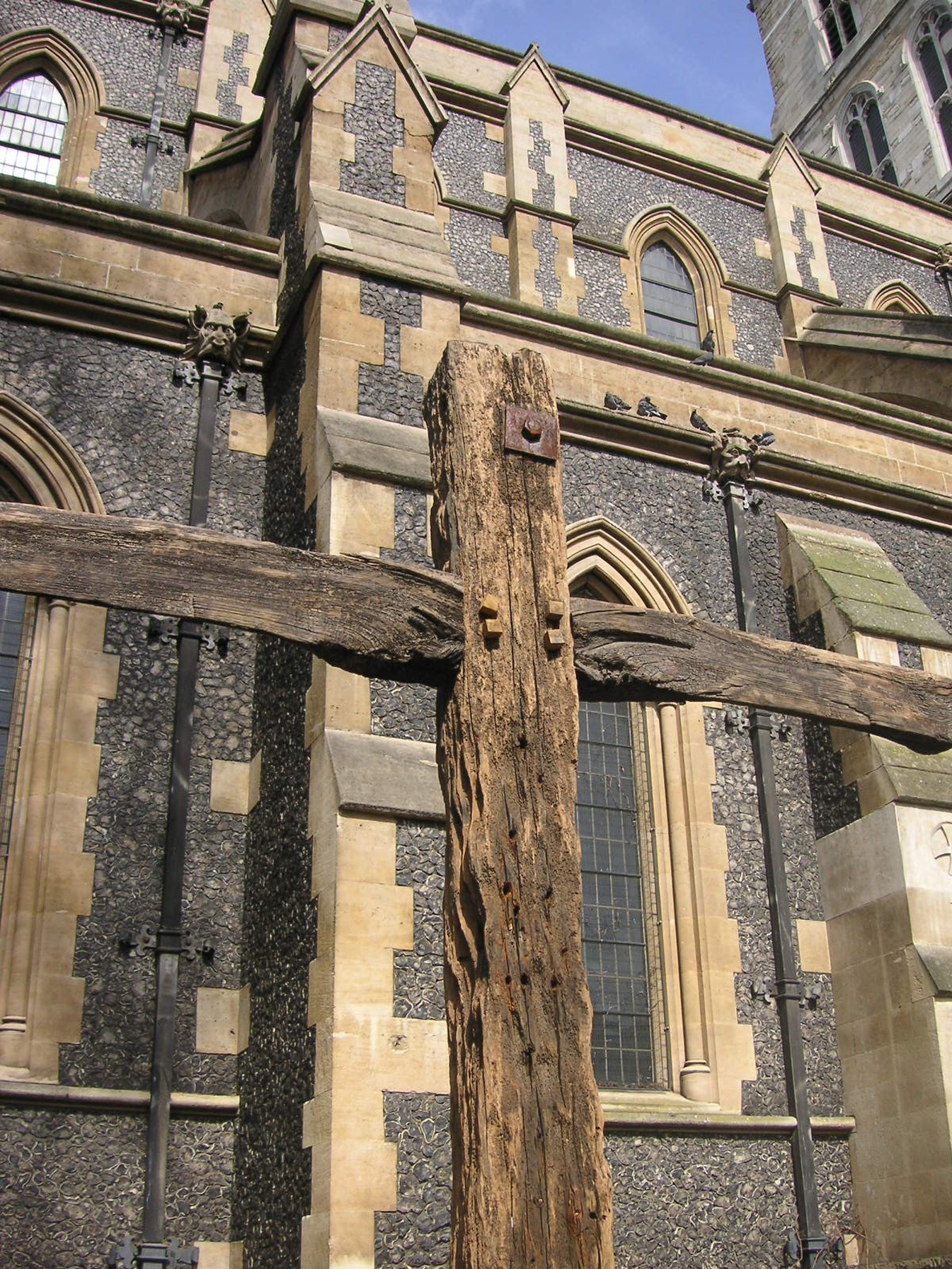 File Southwark Cathedral the Old Rugged CrossJPG Wikimedia