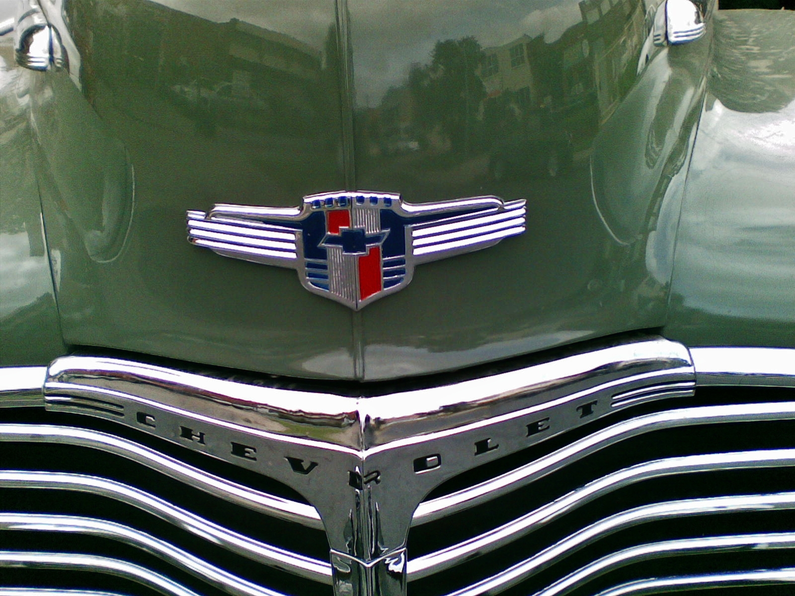 File:1942 Chevrolet Fleetline Special Deluxe coupe