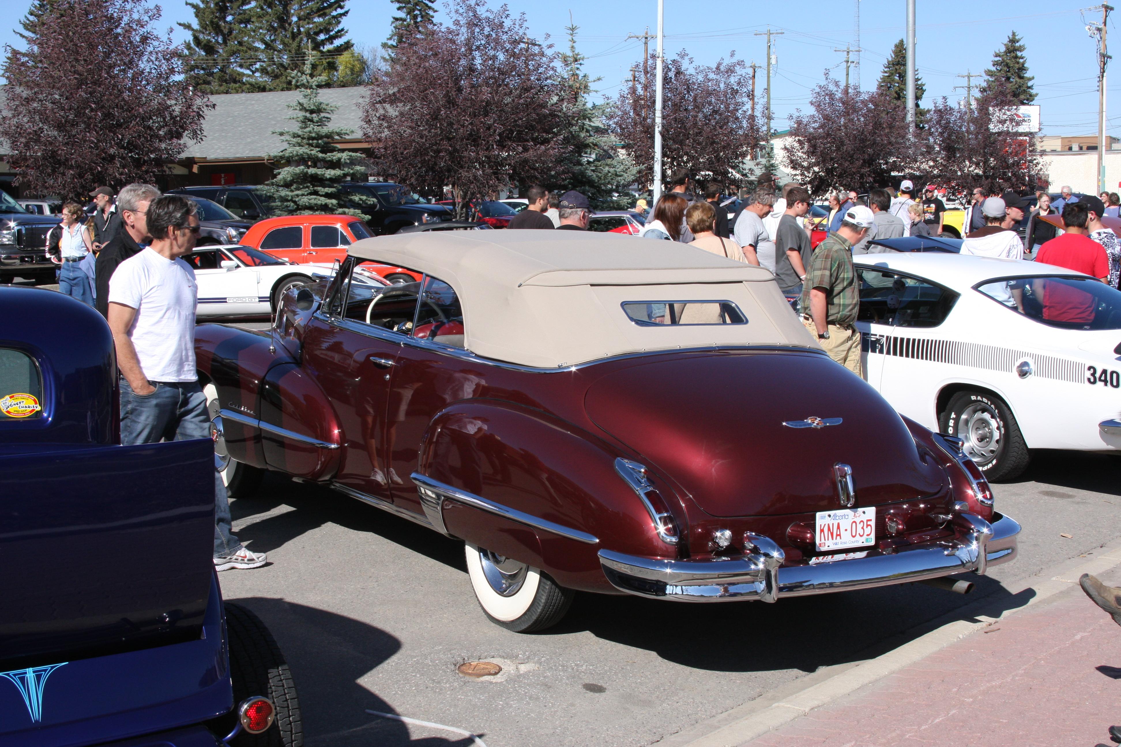 1947_Cadillac_(2902635377).jpg