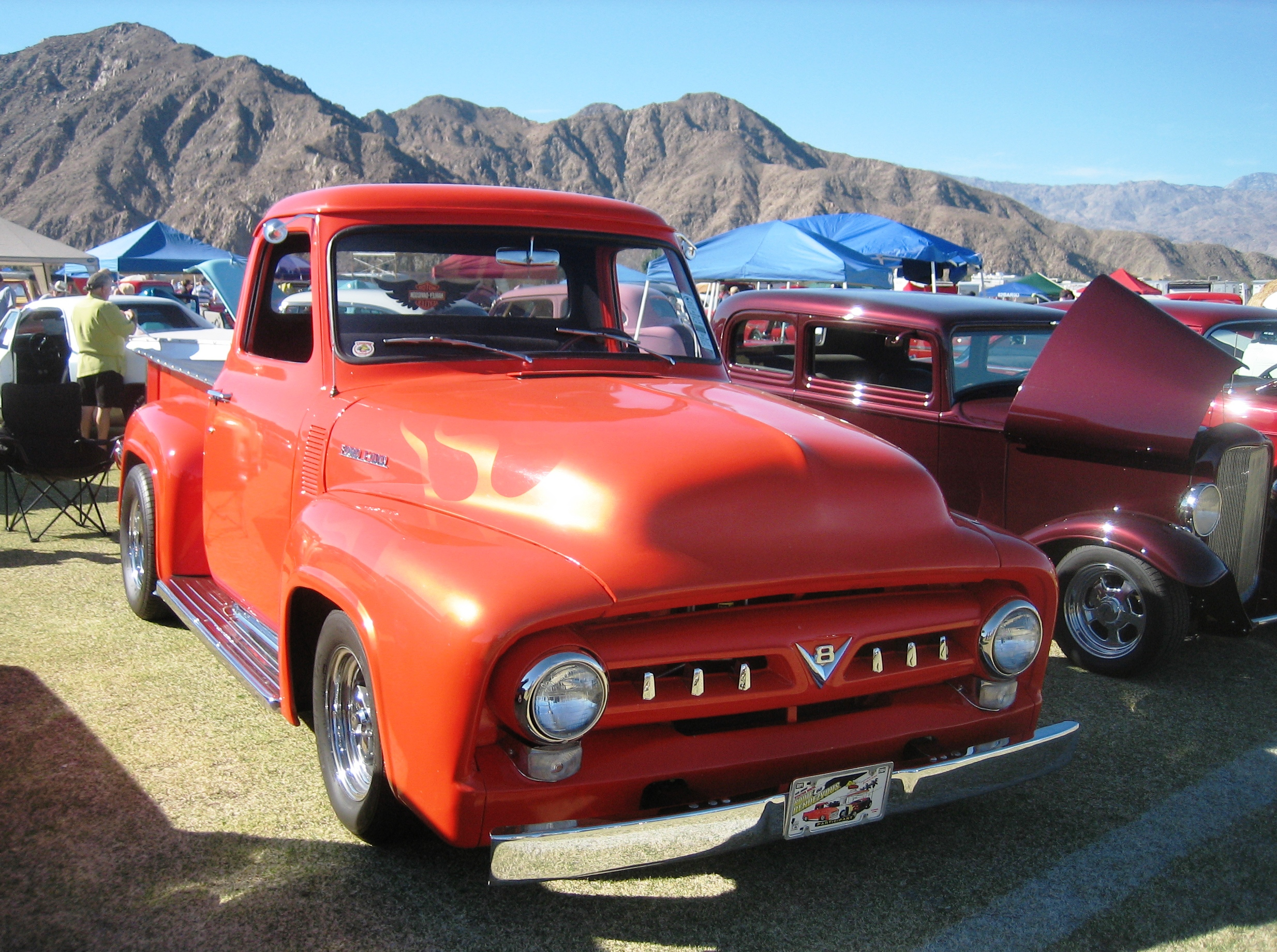 Description 1954 Ford F-100 Red.jpg