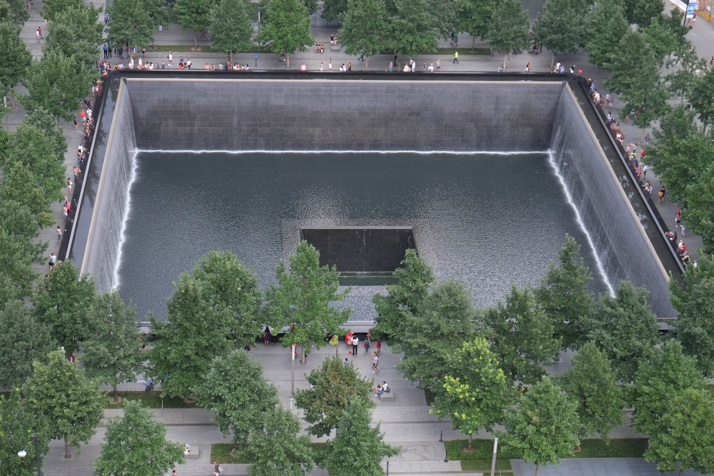 external image 9-11_Memorial_%2828816366014%29.jpg