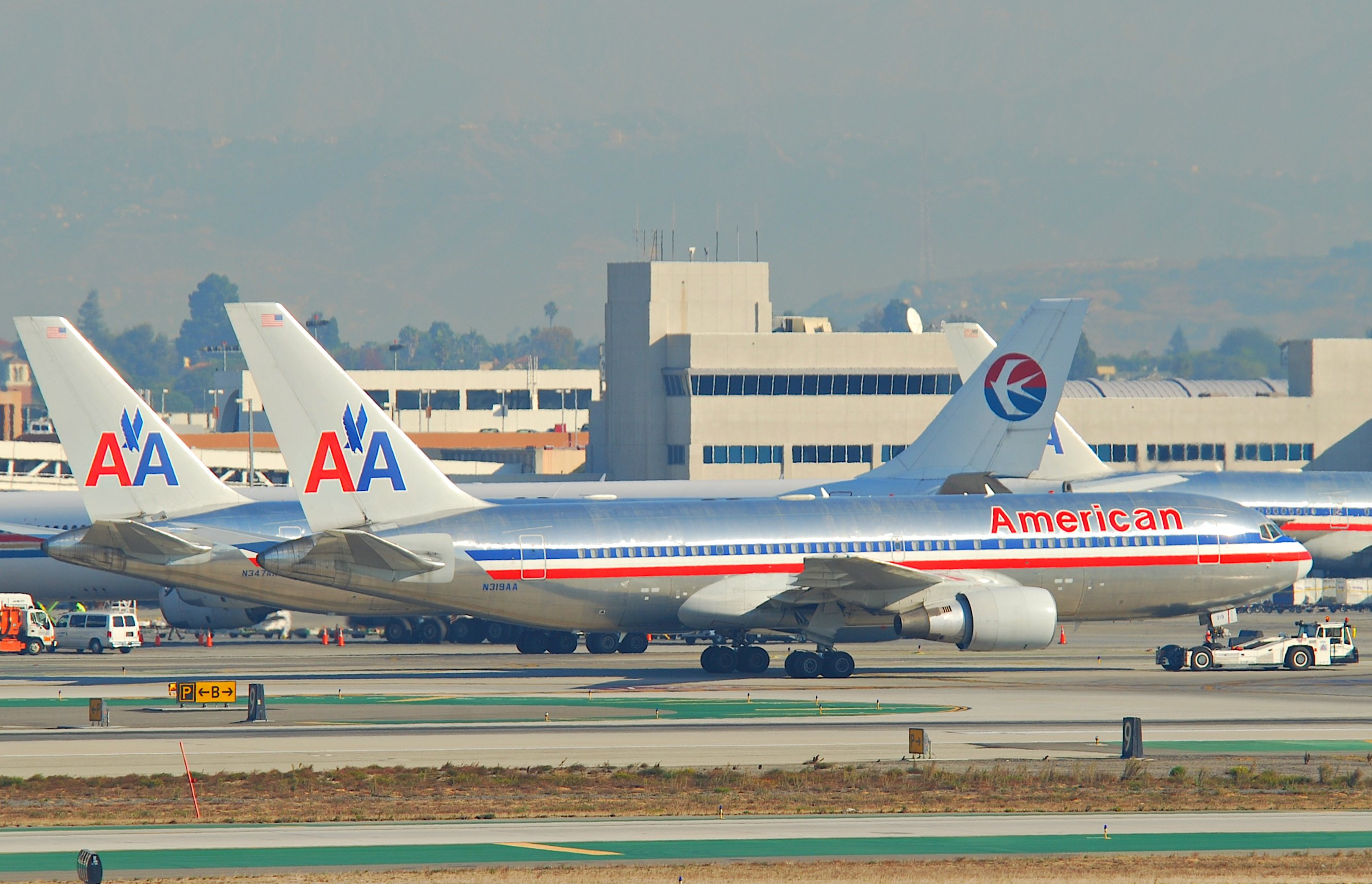 Boeing 767-200 American Airlines images