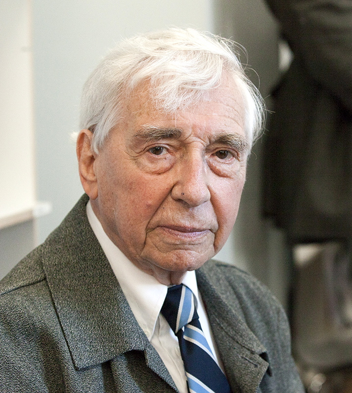 Arno J. Mayer
