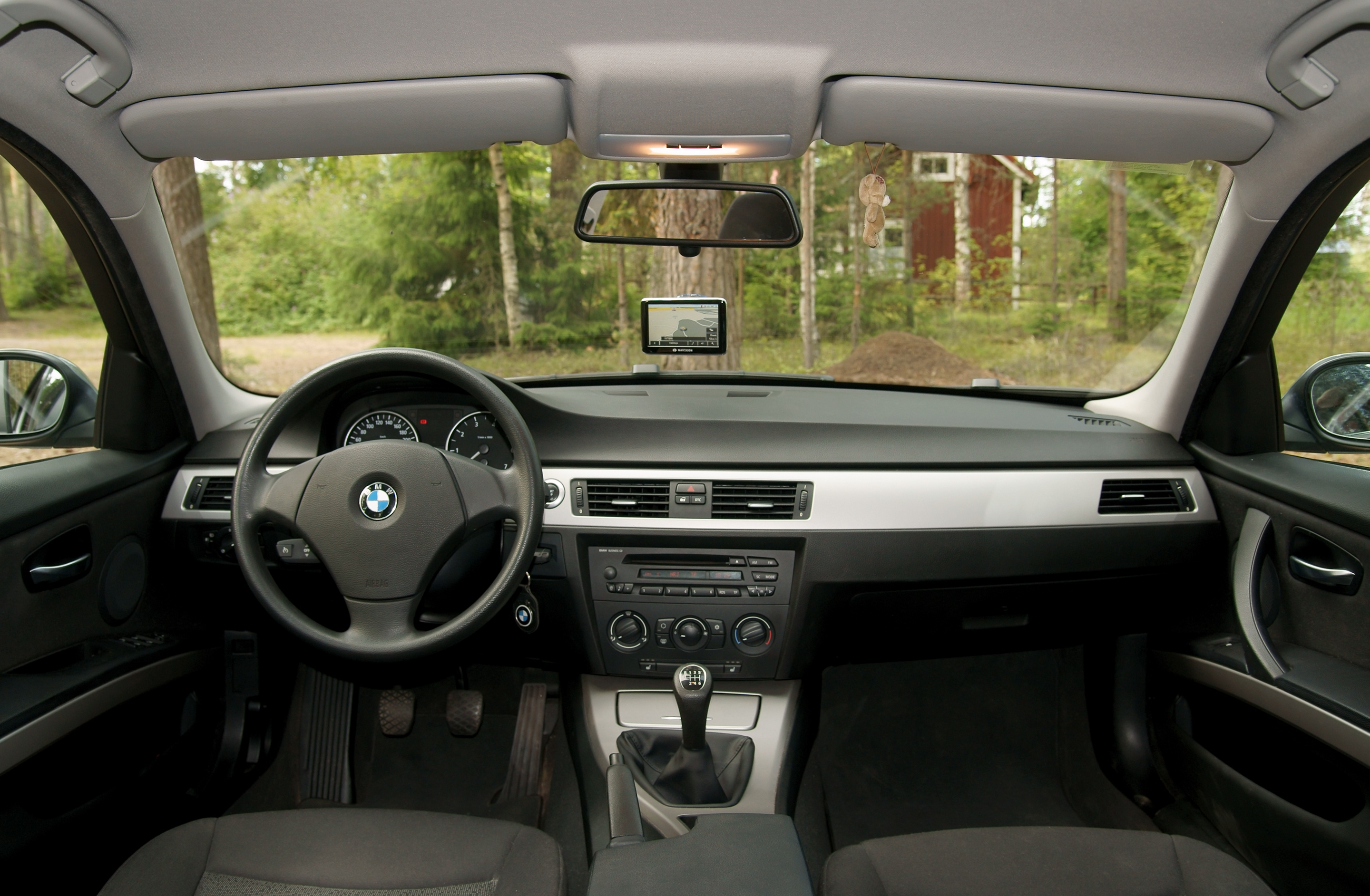 File:BMW E90 inside.jpg - Wikimedia Commons