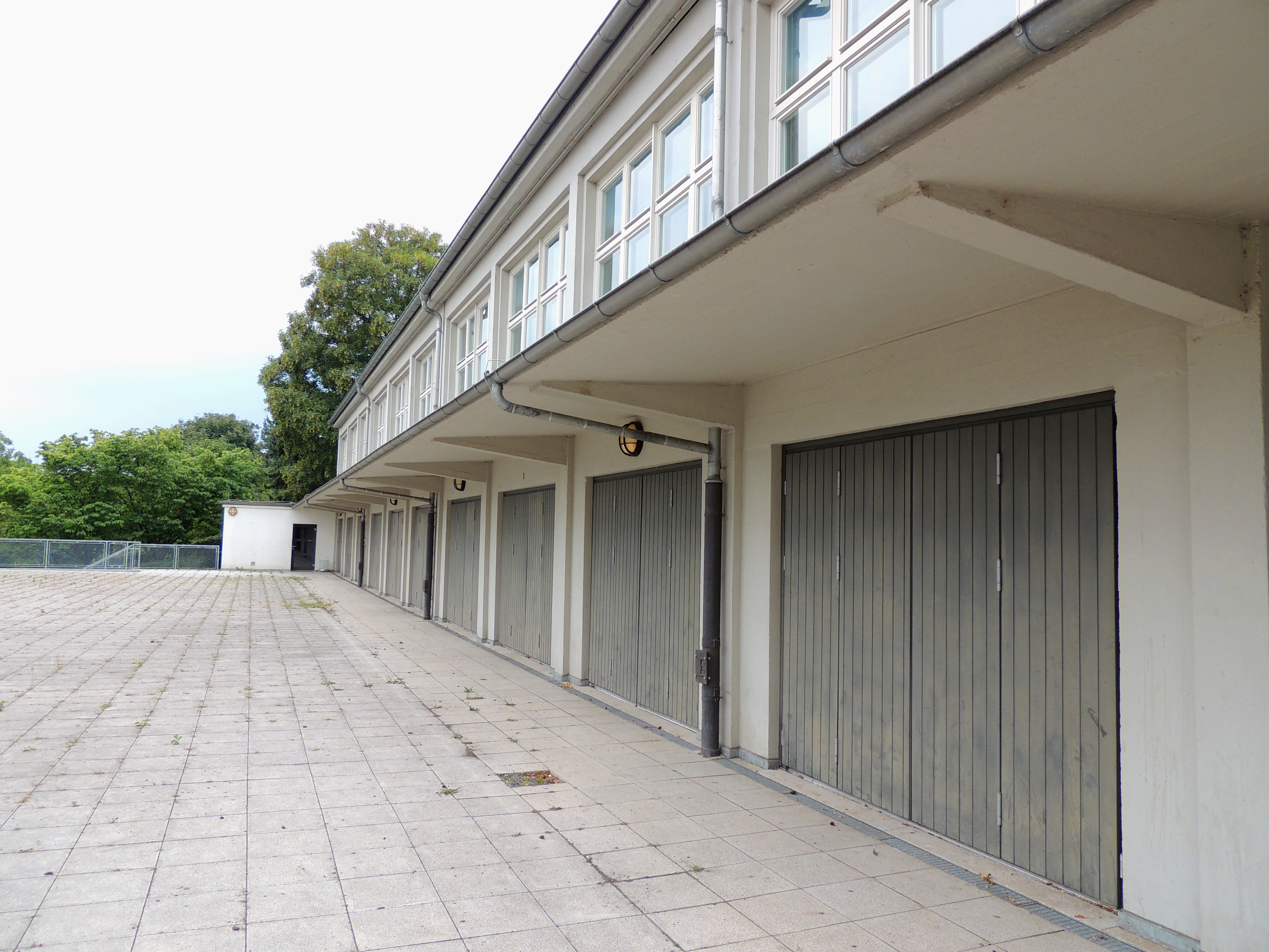 File Bornheimer Hang Siedlung Hallgartenschule Terrasse Aula
