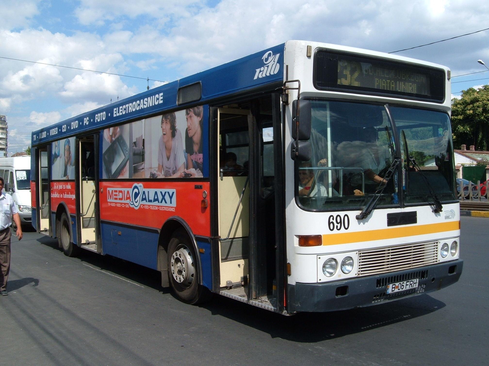 bus 690 case 1 saffronart