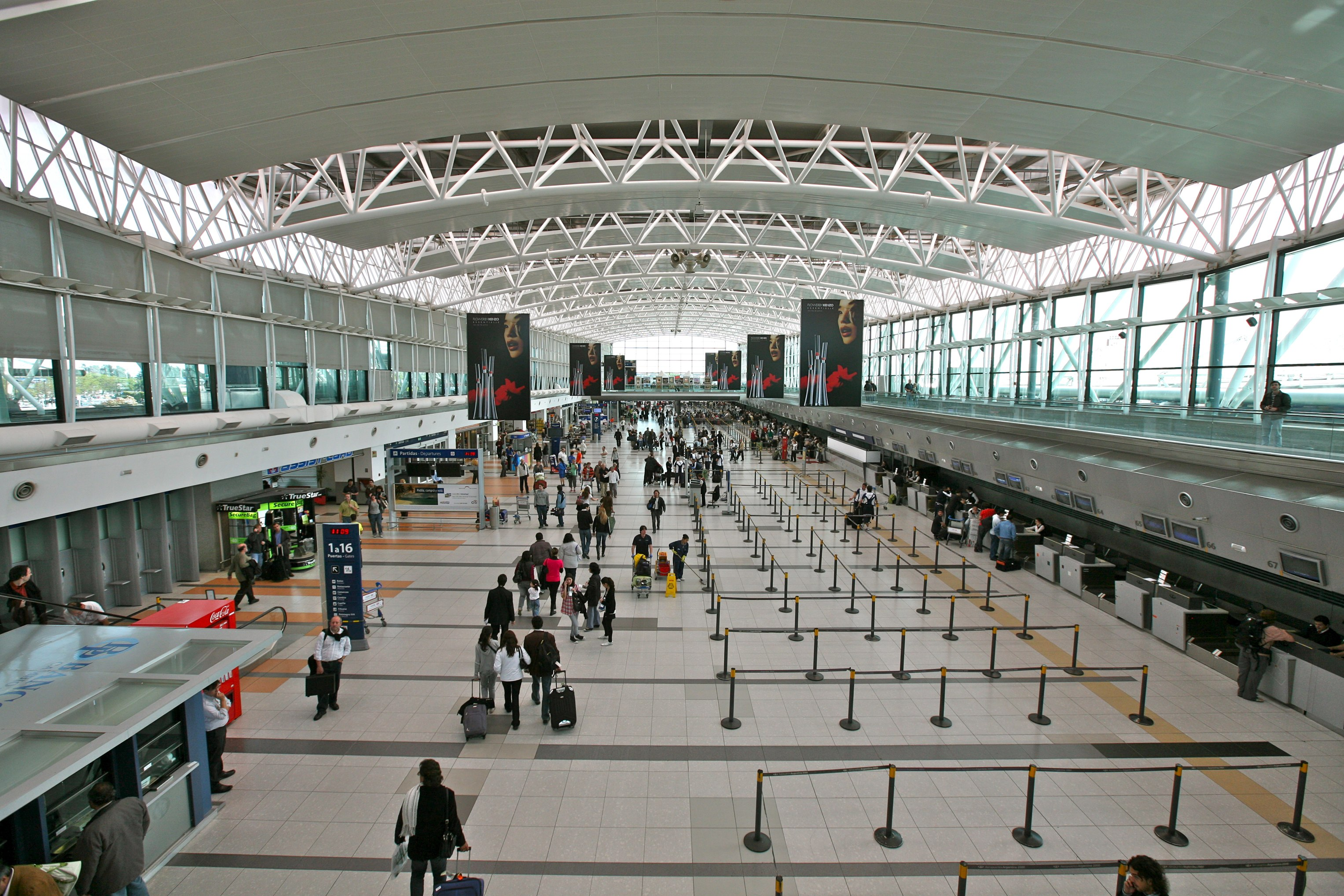Aeroporto Ezeiza : File buenos aires airport international check in area
