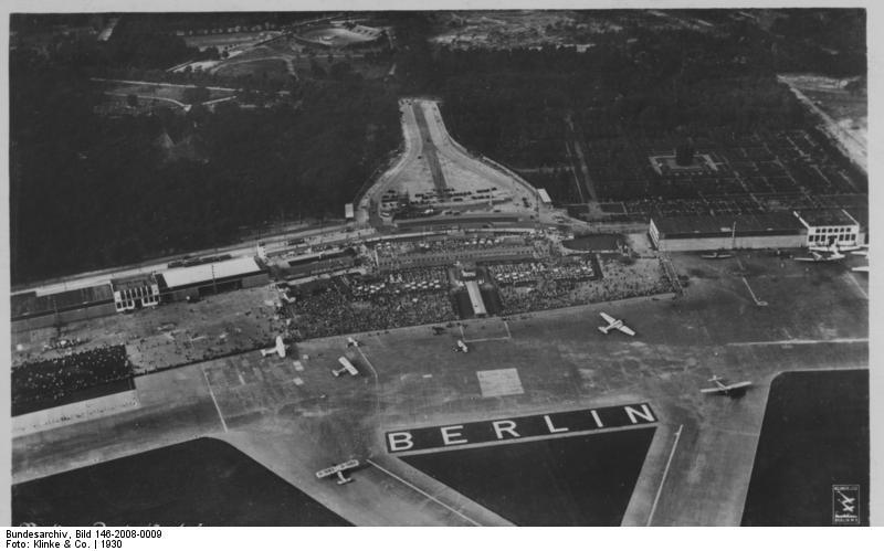 Zentralflughafen, Bundesarchiv, Bild 146-2008-0009 / Klinke & Co. / CC-BY-SA 3.0 [CC BY-SA 3.0 de (https://creativecommons.org/licenses/by-sa/3.0/de/deed.en)], via Wikimedia Commons