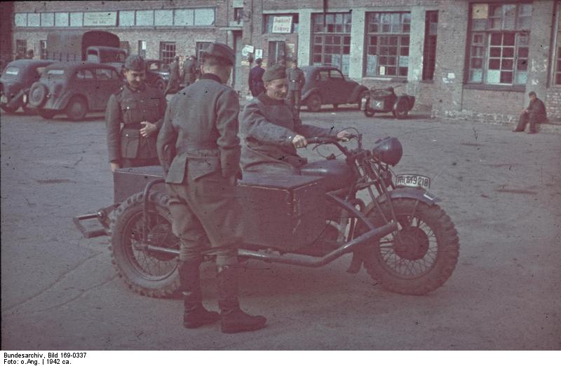 file bundesarchiv bild 169 0337 charkow motorrad mit wikimedia commons. Black Bedroom Furniture Sets. Home Design Ideas