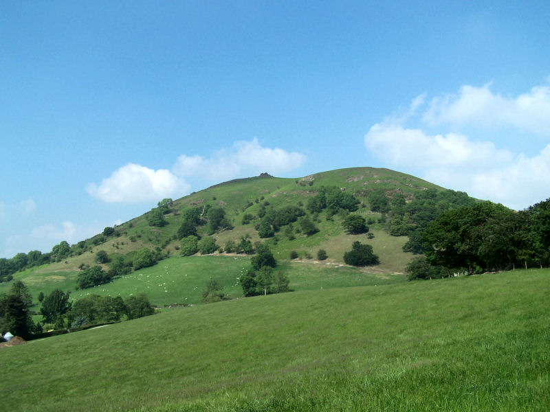 File:Caer Caradoc hill.jpg  Wikipedia, the free encyclopedia