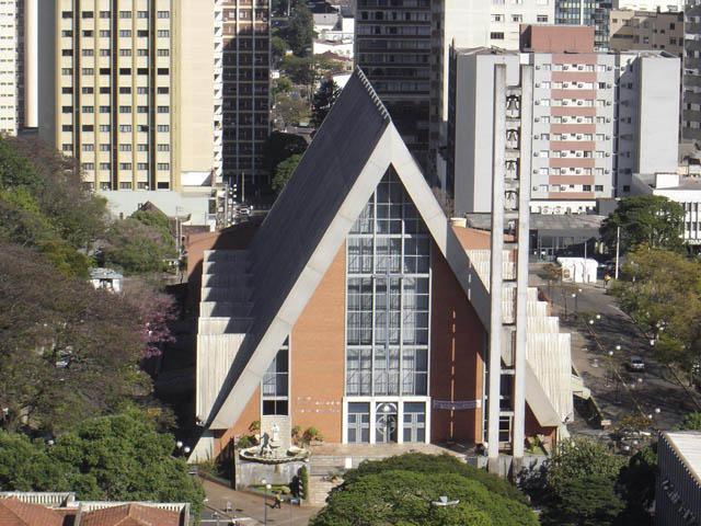 Ficheiro:Catedral metropolitana de Londrina.jpg