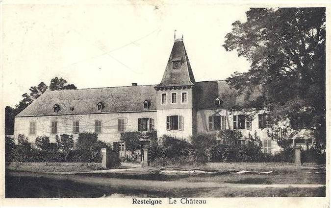 Le château de Resteigne;  vue de la façade extérieure