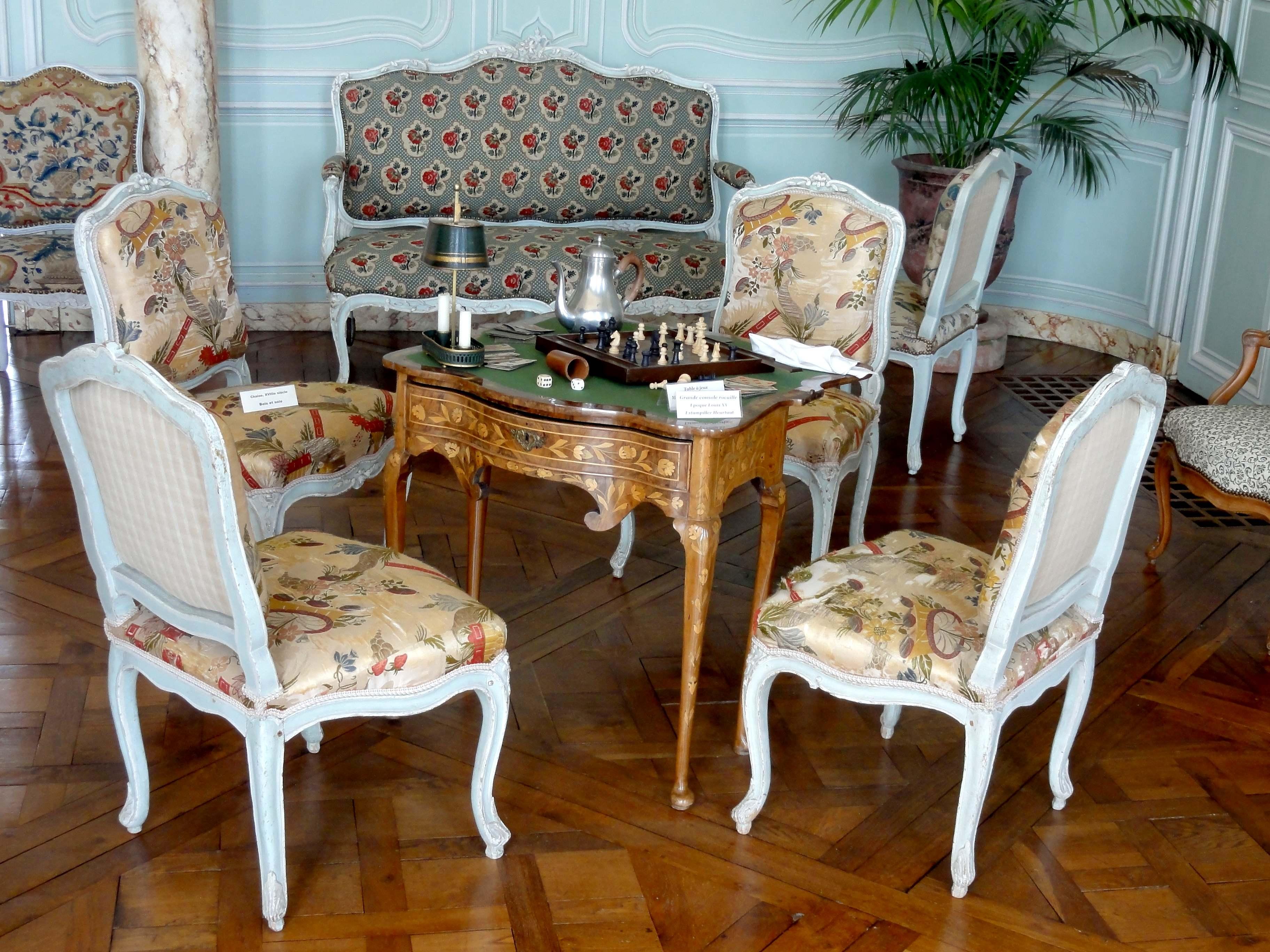 file chaussy 95 domaine de villarceaux grand salon. Black Bedroom Furniture Sets. Home Design Ideas