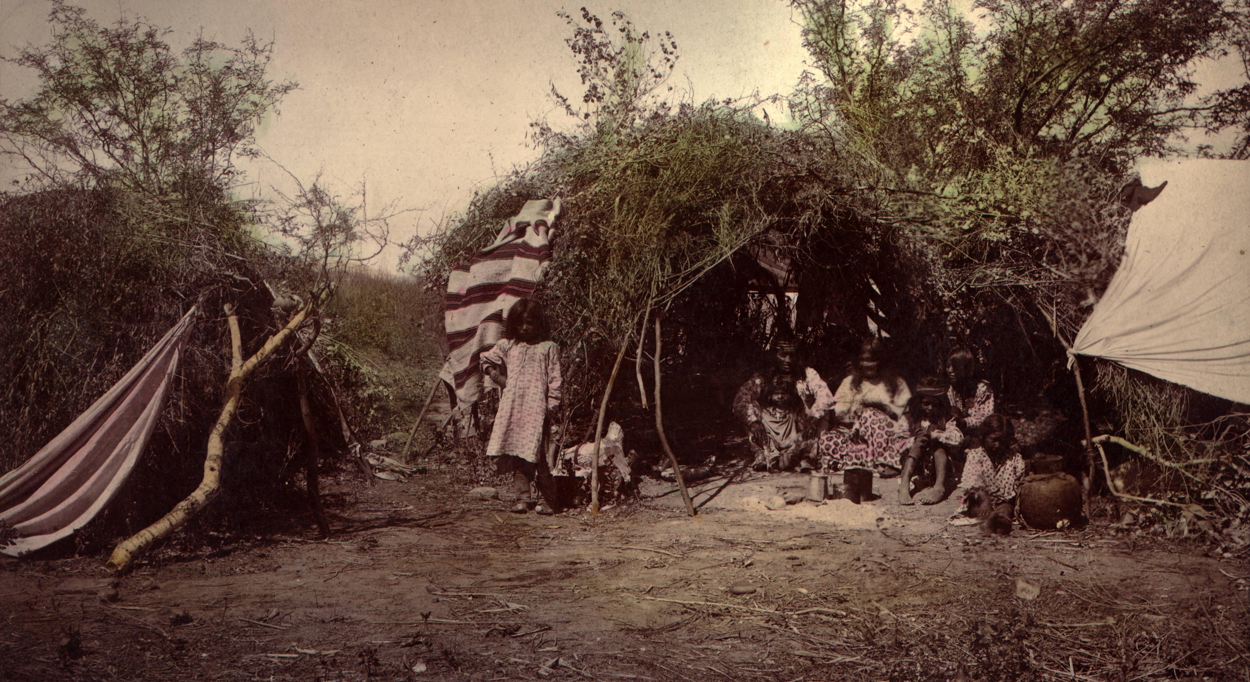 File:Chiricahua medicine man.jpg