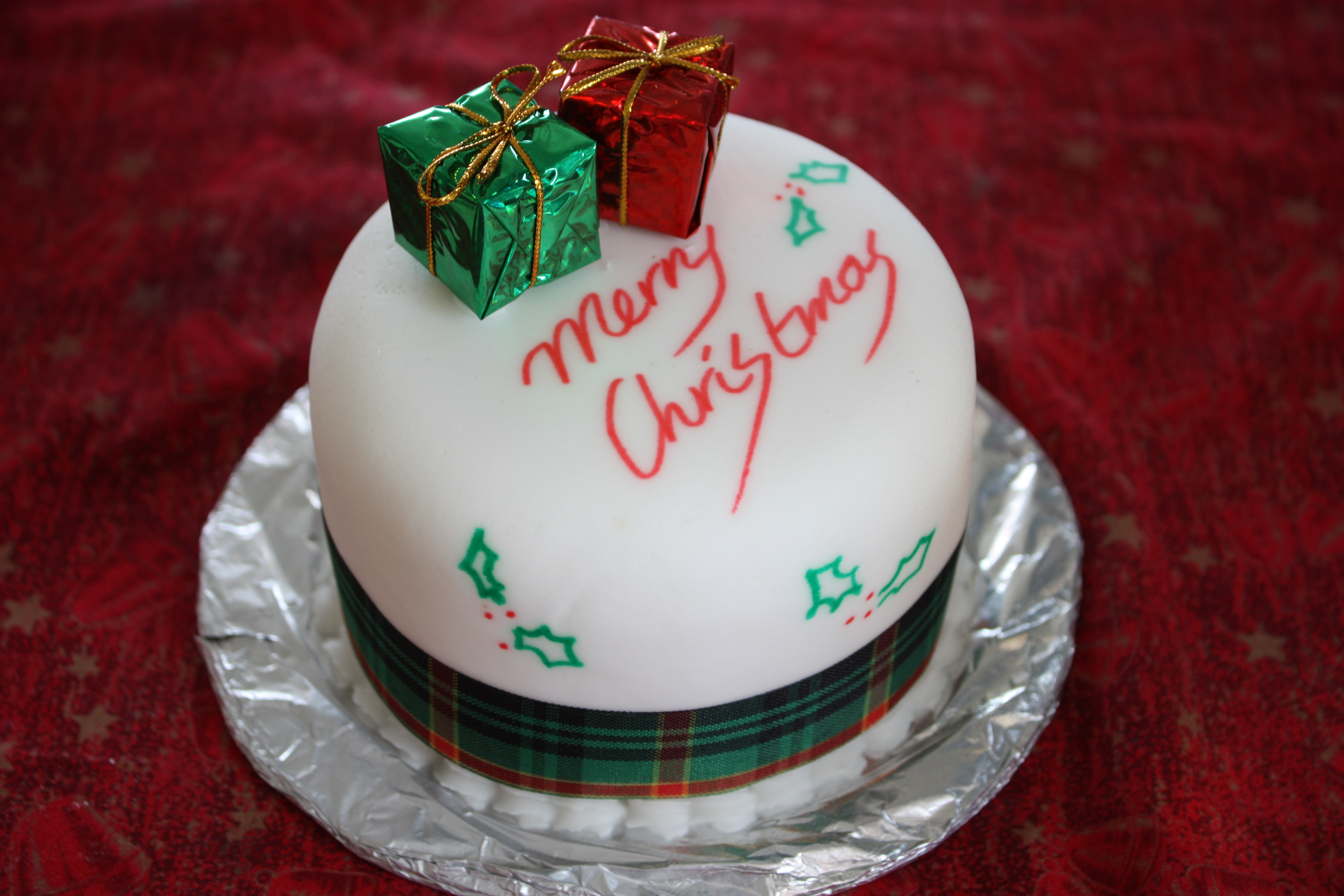 Xmas Cake Ideas Decorating