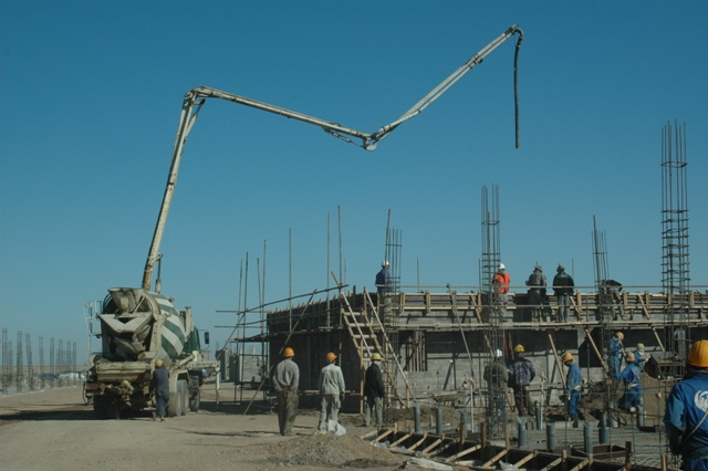 File:Concrete_pumper_truck_in_Afghanistan on Cement Pump Truck