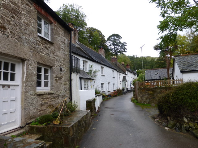 File:Cottages in Helford (geograph 4229019).jpg