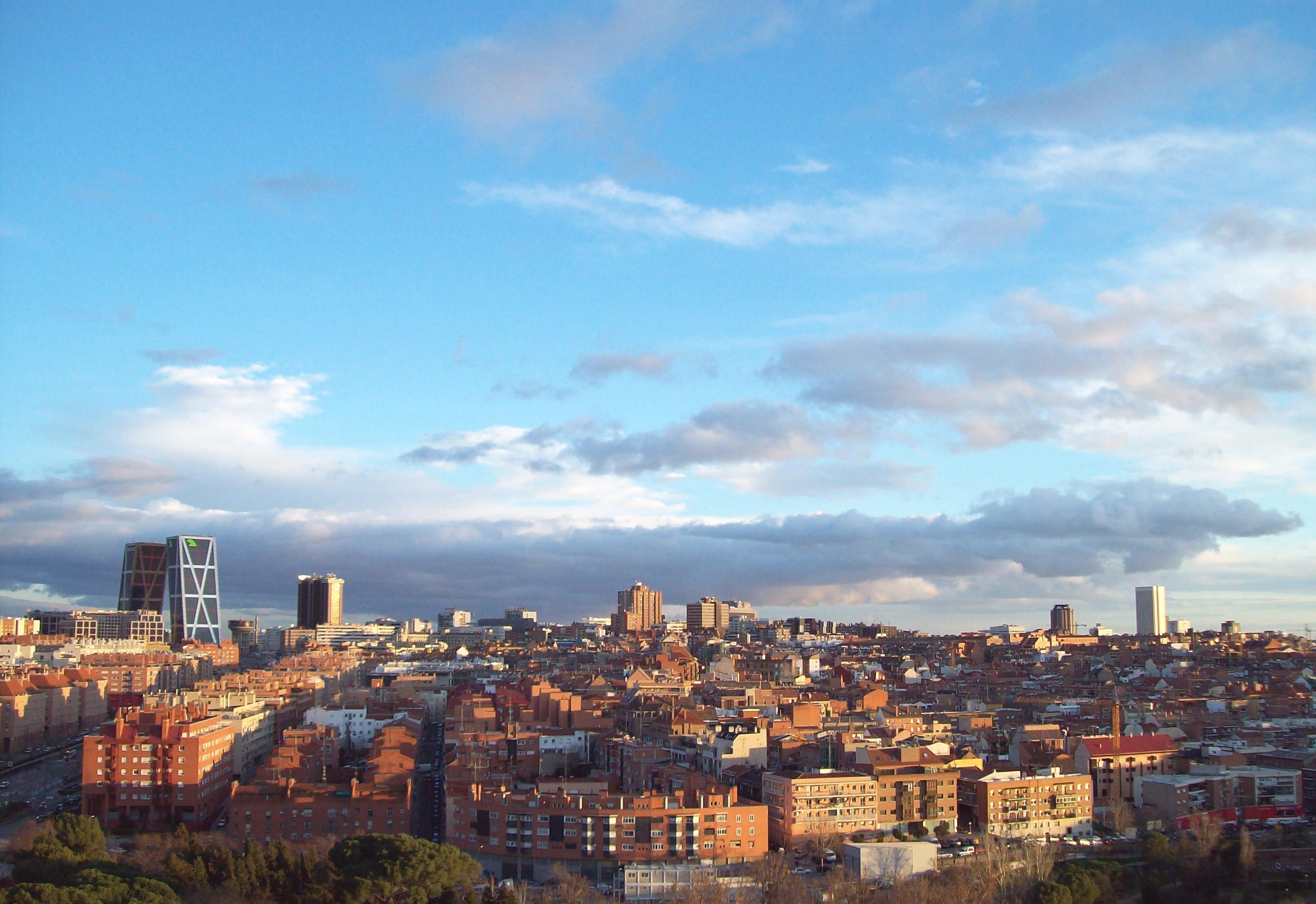 File de madrid al cielo wikimedia commons - El cielo de madrid ...