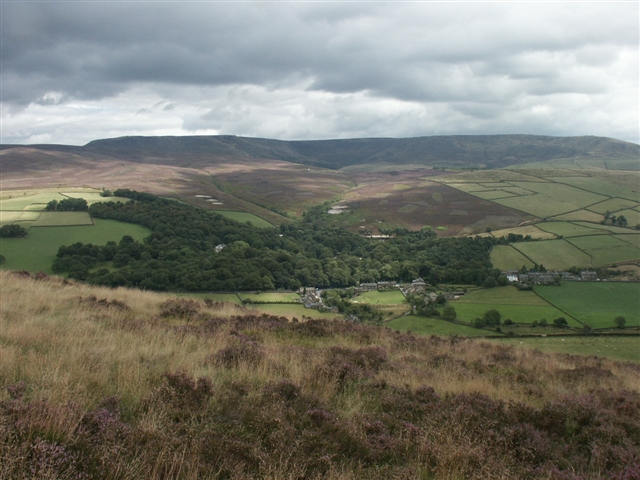East from Lantern Pike - geograph.org.uk - 221604