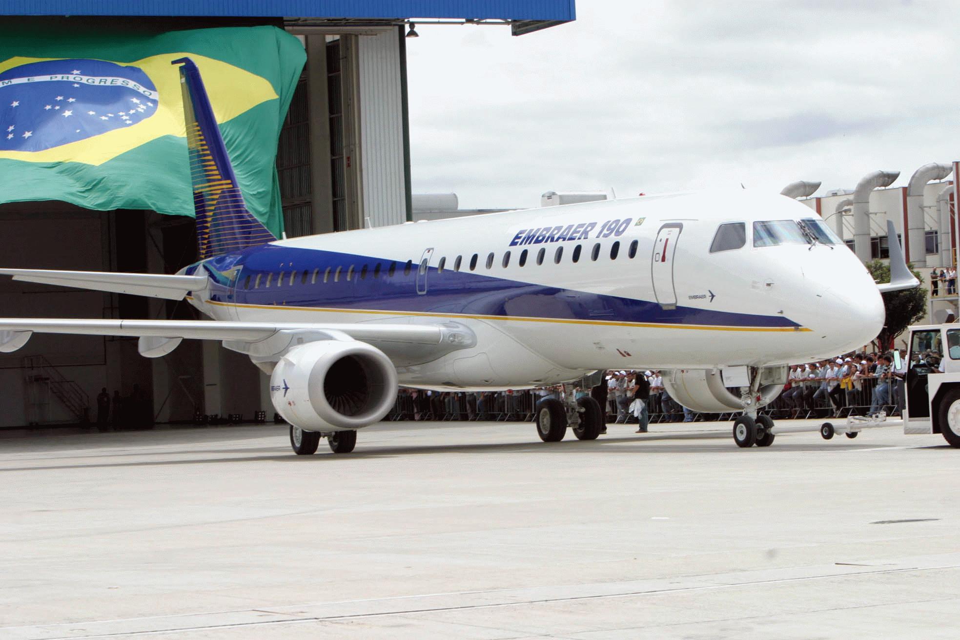 Ur Dpb Dniproavia Embraer Erj 145lr Editorial Photo Image Of Arrivals