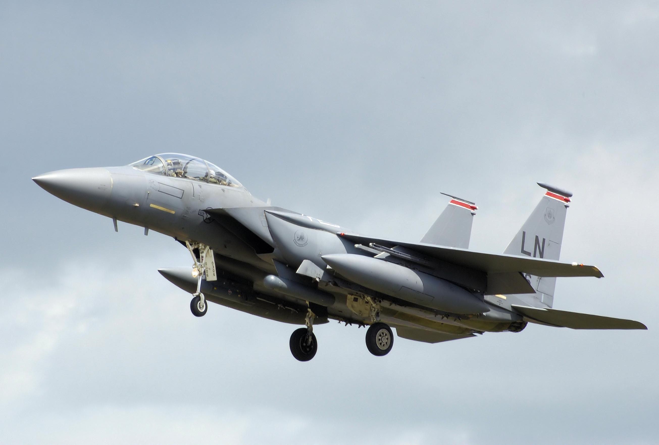 F 15E (航空機)の画像 p1_36