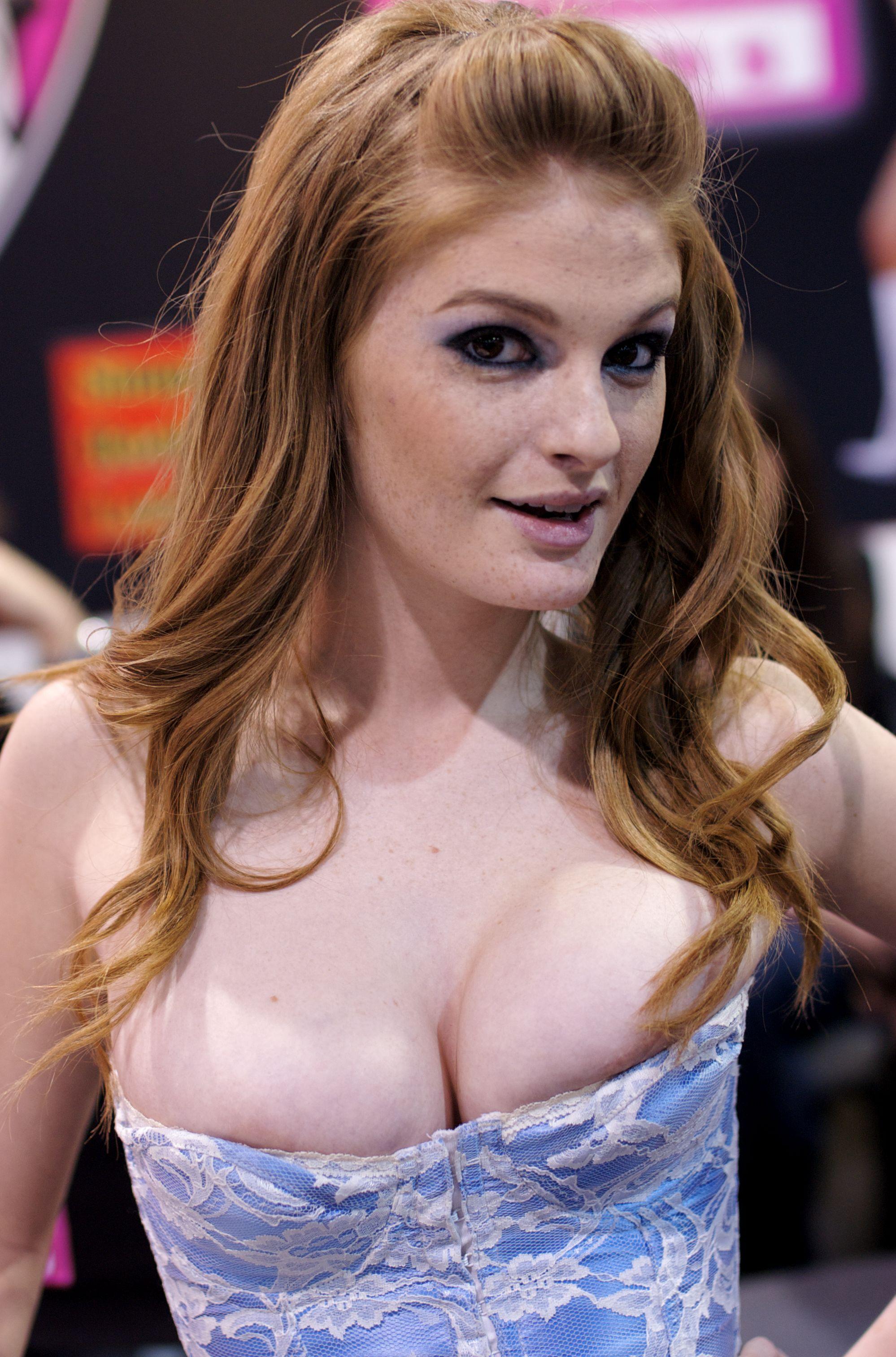 Faye Reagan Nude Photos 24